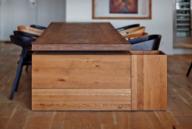 原木色地板贴近自然 东欧开放式公寓设计